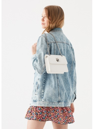 Mavi Zincir Detaylı  Çapraz Çanta Beyaz